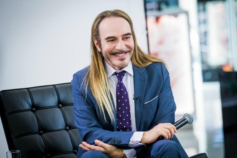 Джон Гальяно посетил Москву и поделился мнением о современной моде