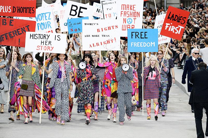 Феминистский митинг Chanel — все ради моды!
