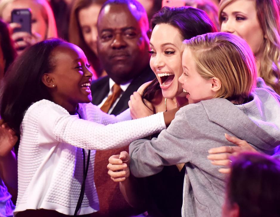 Анджелину Джоли могу лишить права единоличной опеки над детьми