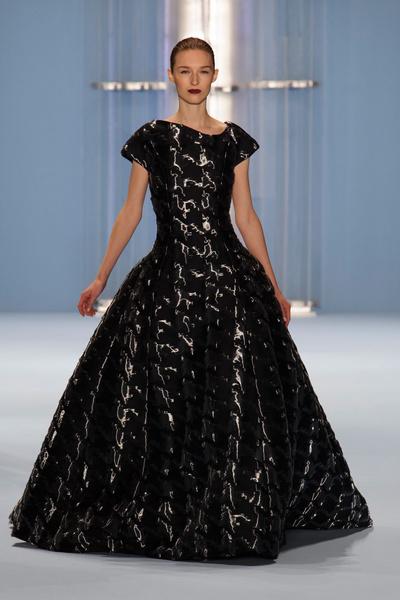 Black tie: показы Carolina Herrera, Reem Acra и Zac Posen на Неделе моды в Нью-Йорке | галерея [2] фото [3]