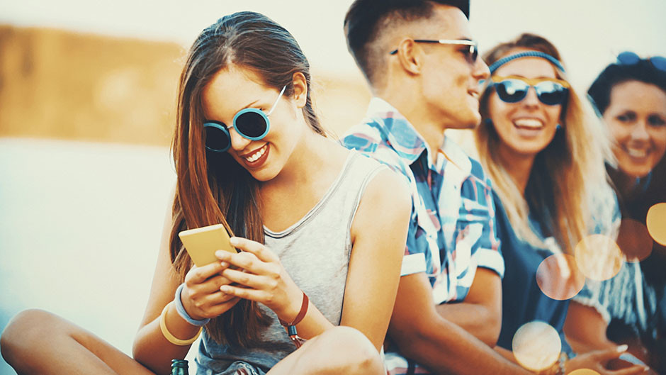 7 моментов, когда телефон заменяет вам бойфренда