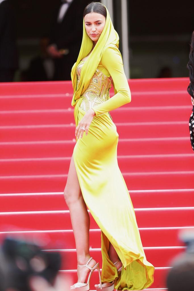 Ирина Шейк в Atelier Versace