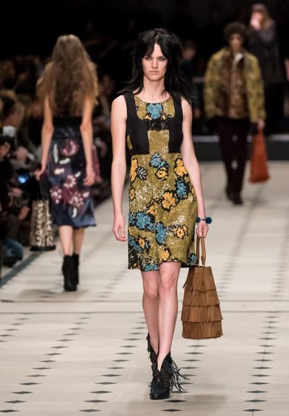Показ Burberry Prorsum на Неделе моды в Лондоне | галерея [1] фото [11]