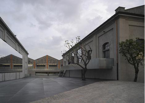 Фонд Prada открывает новую арт-галерею | галерея [1] фото [6]