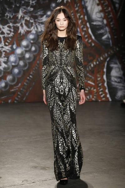 Самые роскошные вечерние платья Недели моды в Нью-Йорке | галерея [2] фото [9]