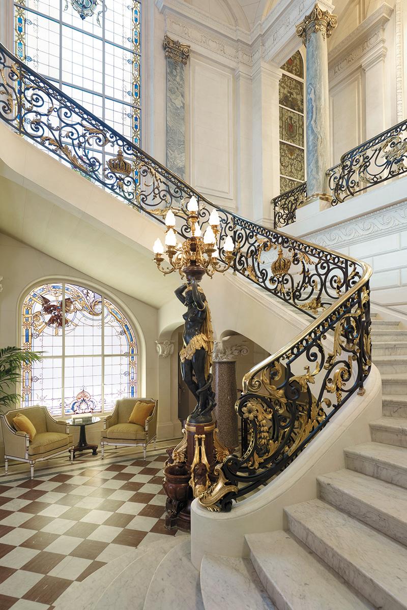 Главная лестница, ведущая в Галерею