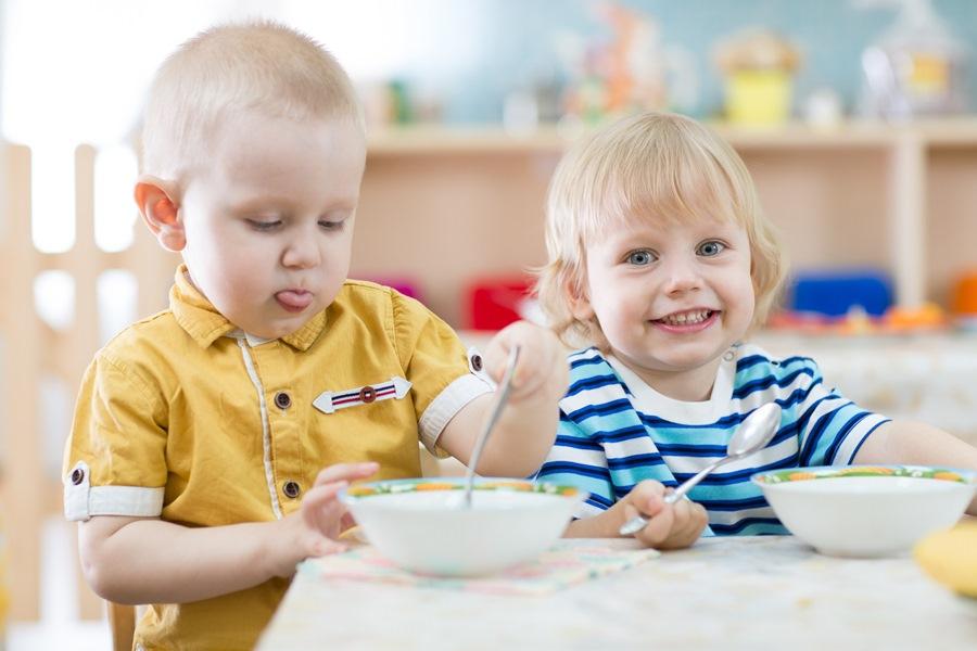 Творог для детей: большая польза в маленьком стаканчике