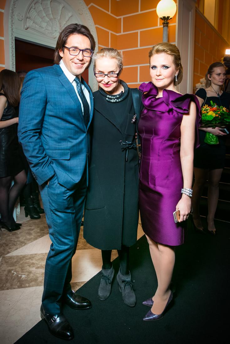 Андрей Малахов (в костюме BOSS), Ольга Свиблова и Наталья Шкулева (в украшениях Bulgari)