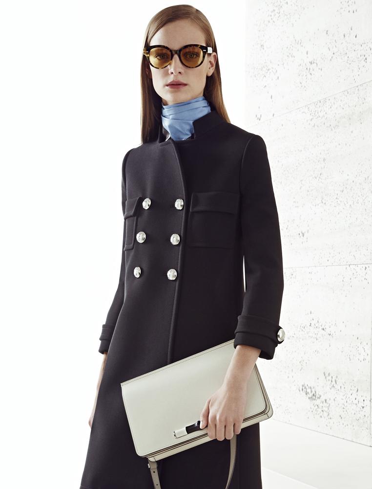 Пальто с укороченными рукавами