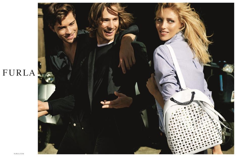 Аня Рубик стала лицом новой рекламной кампании Furla