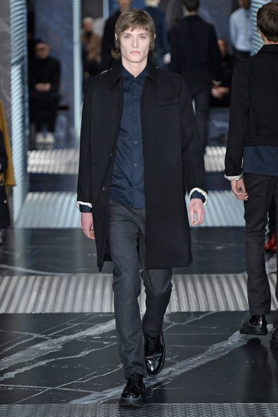 Бренд Prada представил на Неделе мужской моды в Милане сразу две коллекции | галерея [2] фото [19]