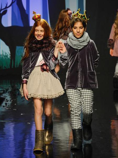 Детский мир: милые моменты с выставки Pitti Bimbo во Флоренции | галерея [1] фото [27]