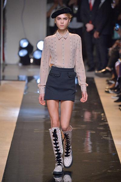 Неделя моды в Париже: показы Alexander McQueen и Paul & Joe ready-to-wear осень — зима 2015-2016 | галерея [2] фото [10]
