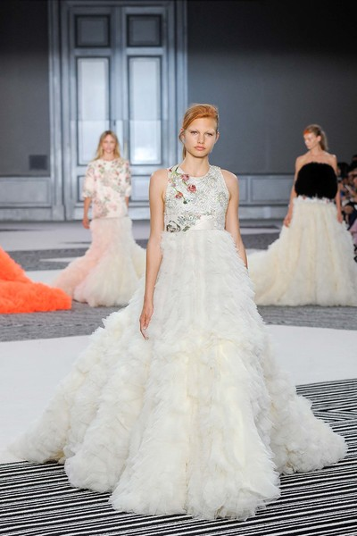 10 самых красивых свадебных платьев с Недели Высокой моды в Париже. | галерея [1] фото [3]