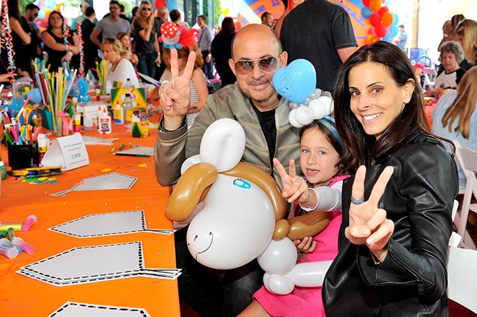 Джон Варватос с супругой Джойс и дочерью Теа