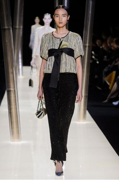На Неделе высокой моды в Париже прошел юбилейный показ Giorgio Armani Prive | галерея [1] фото [2]