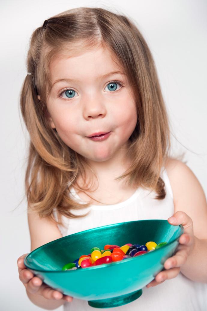 Страшно вкусно: 7 правил, которые помогут детям отвыкнуть от вредной еды