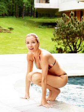 У нее модельный рост и фигура девушки Бонда. Ей бы по подиуму ходить или сниматься для календаря Pirelli