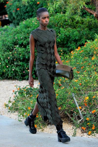 Показ круизной коллекции Louis Vuitton в Палм-Спринг | галерея [1] фото [16]