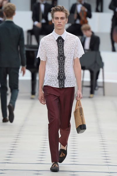 Показ Burberry Prorsum на Неделе мужской моды в Лондоне | галерея [2] фото [20]