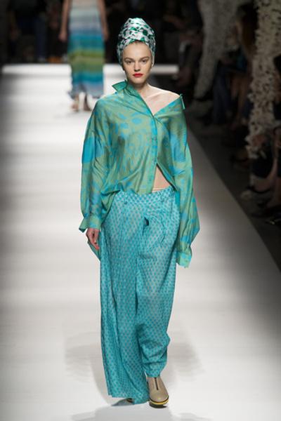 НУЖНЫЙ ТОН: Какие цвета и сочетания цветов в моде этим летом? | галерея [3] фото [3]