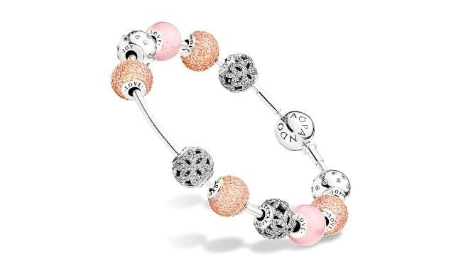 Pandora выпустила коллекцию из 12 новых шармов