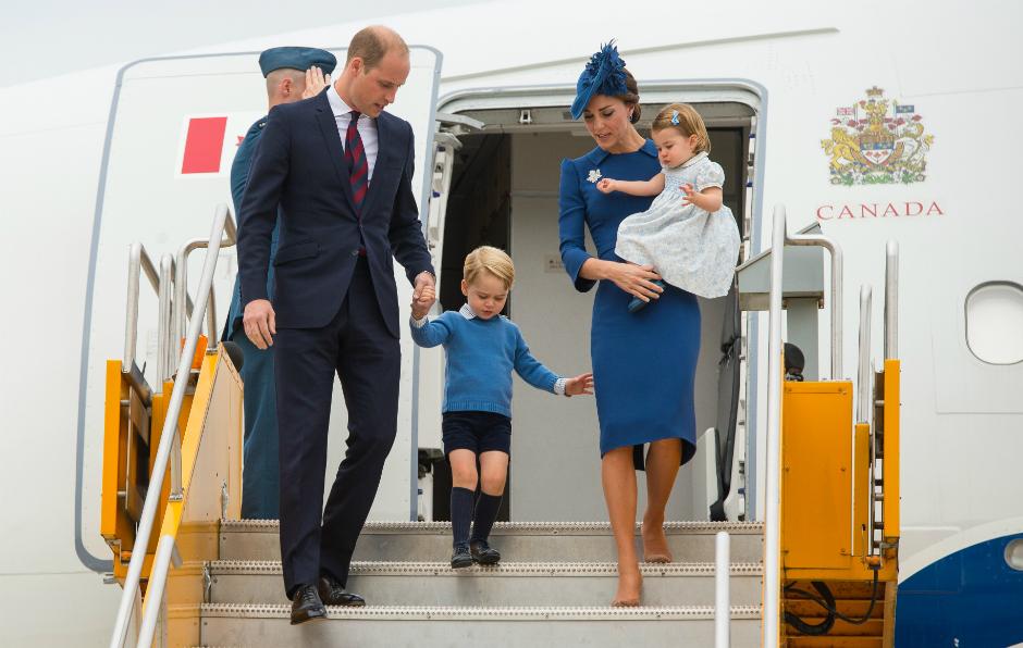 Фото дня: принц Уильям и Кейт Миддлтон с детьми