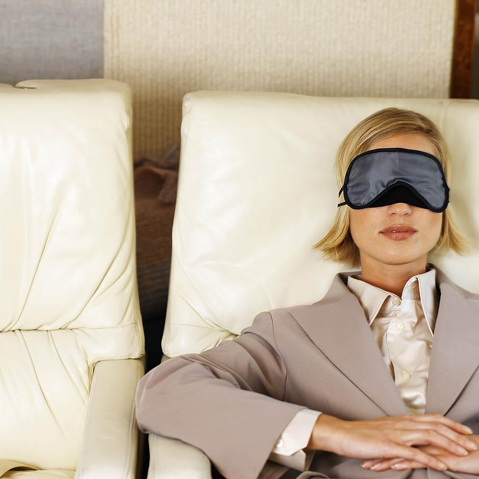 7 способов уснуть в самолете