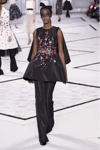Показ Giambattista Valli Haute Couture | галерея [1] фото [2]