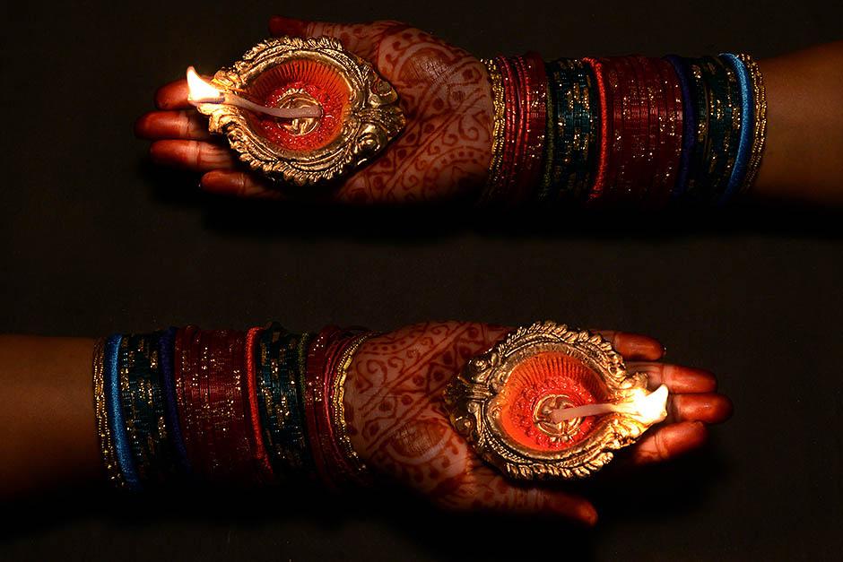 Индийский праздник света и огня Дивали
