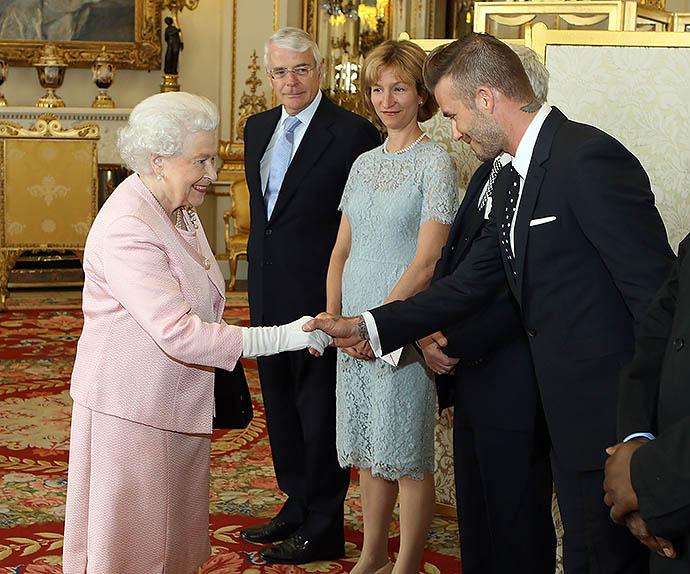 Дэвид Бекхэм на приеме у Елизаветы II, 2015 год