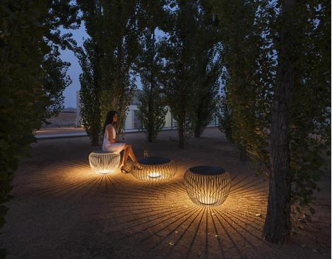 Светящаяся мебель для сада от фабрики Vibia | галерея [1] фото [5]
