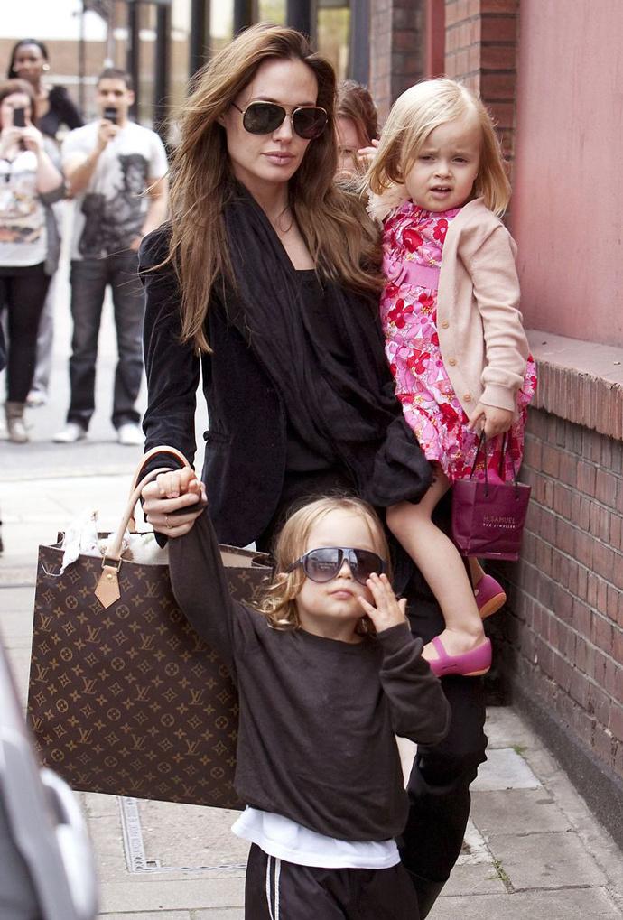 Нокс и Вивьен, дети Брэда Питта и Анджелины Джоли.