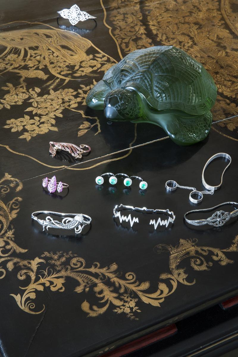 Украшения Gаydamak Jewellery, в том числе браслеты на кисть руки