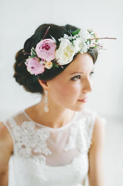 Как украсить цветами свадебную прическу? | галерея [1] фото [5]