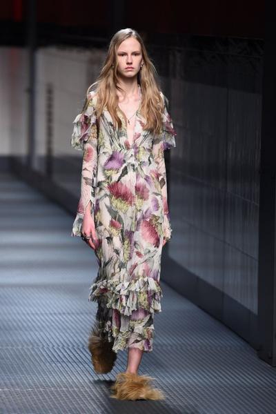 Показ Gucci на Неделе моды в Милане | галерея [1] фото [23]
