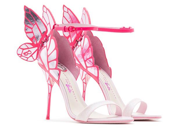 Модные босоножки розового цвета