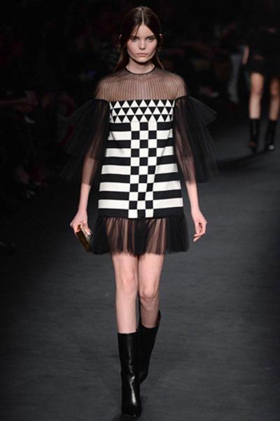 Неделя моды в Париже: показ Valentino ready-to-wear осень — зима 2015-2016 | галерея [1] фото [24]
