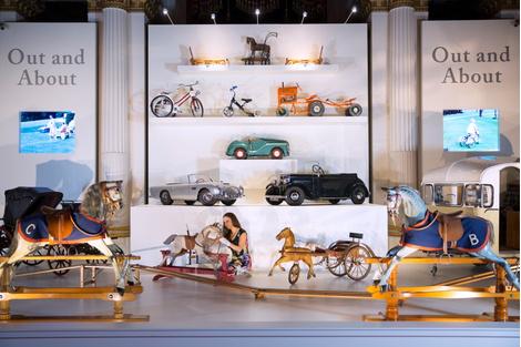 Букингемский дворец проведет выставку игрушек принца Георга