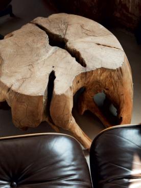 Кресла Реи и Чарльза Имс привезли из нью-йоркской квартиры. «Охотничий» столик перекочевал из дома отца