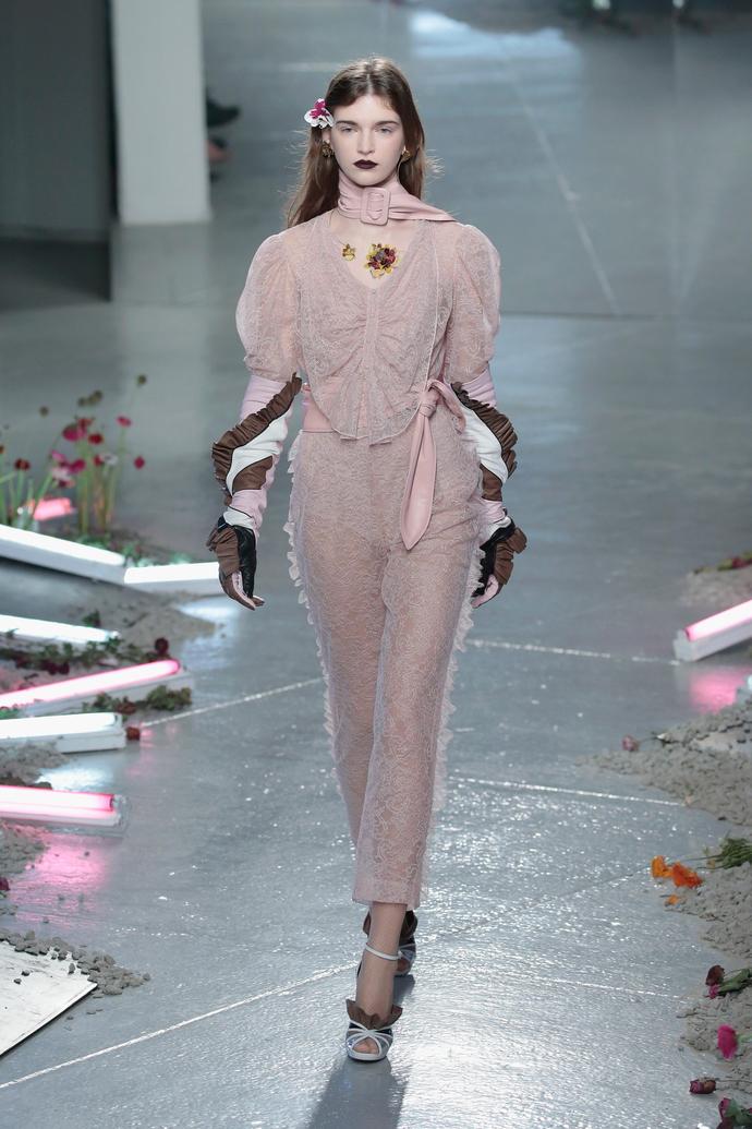 показ Rodarte на Неделе моды в Нью-Йорке