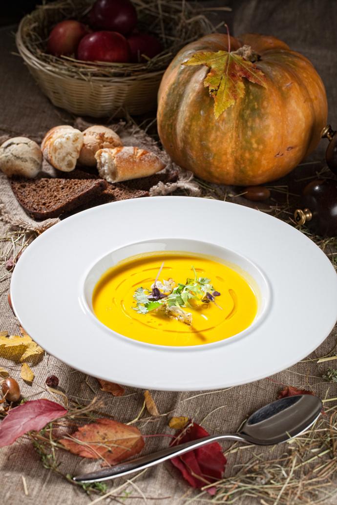 Тыквенный суп с карри и креветками