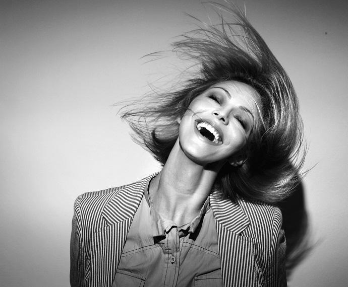 Ток ту ю: как избавить волосы от статического электричества
