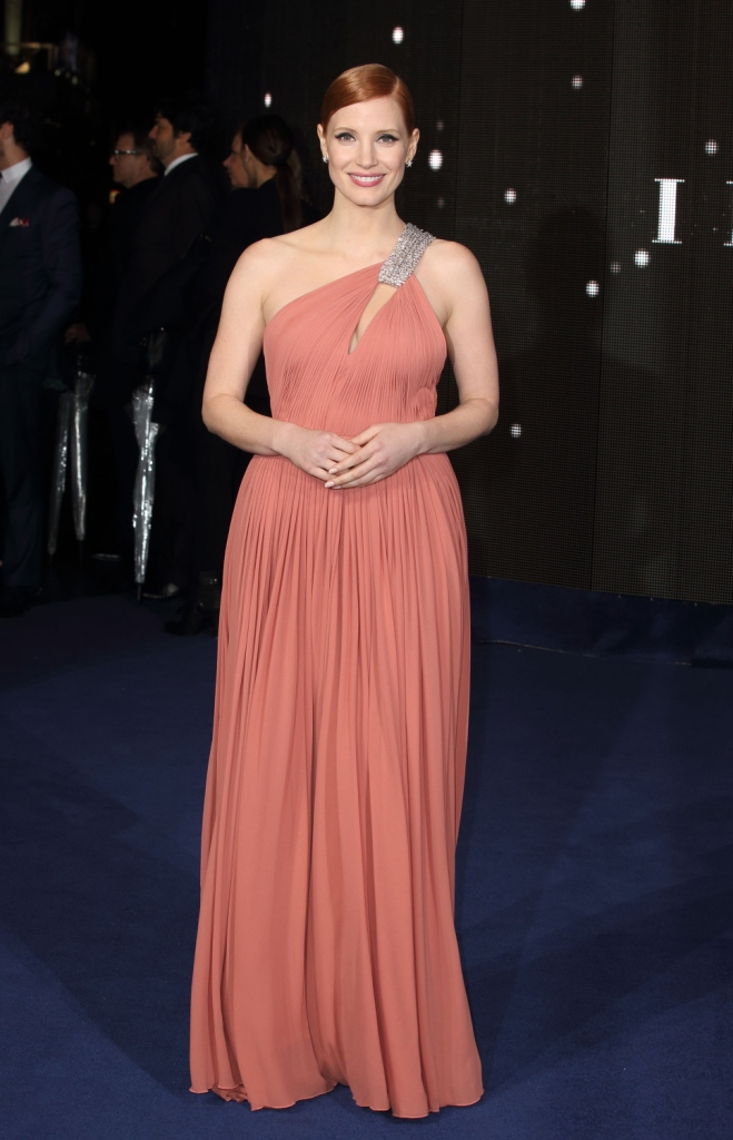 Джессика Честейн в платье Saint Laurent