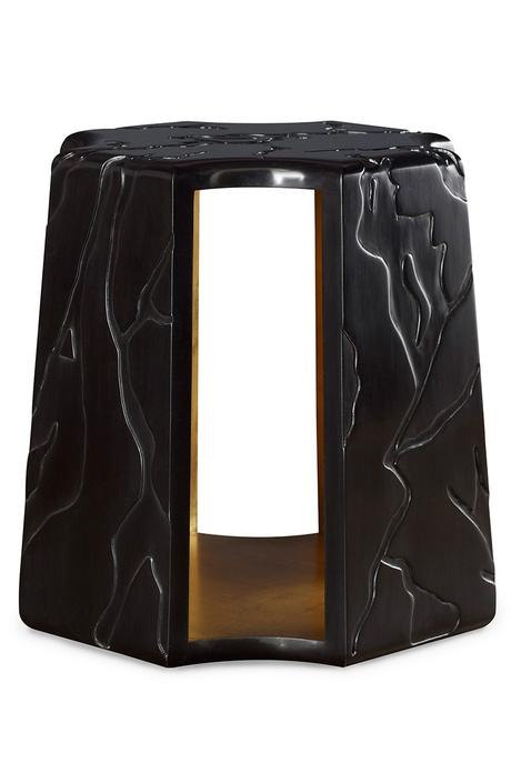 Столик Nogal, орех, Baker. Декорирован узором в виде виноградной лозы.