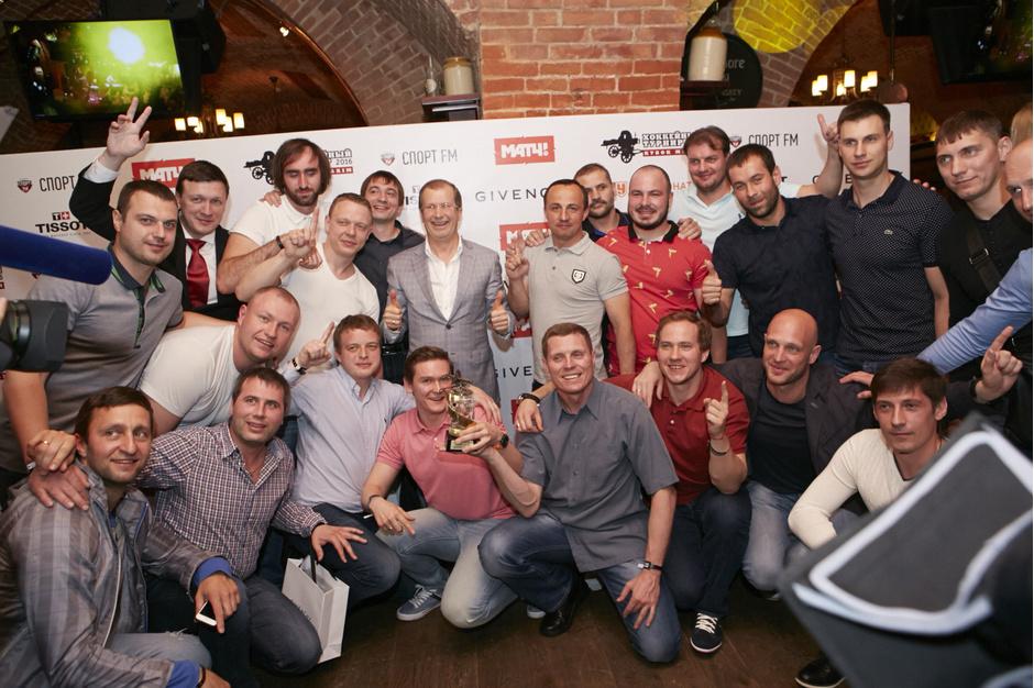 Команда-победитель турнира в дивизионе Мастер-Юность 75