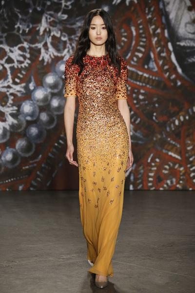 Самые роскошные вечерние платья Недели моды в Нью-Йорке | галерея [2] фото [11]