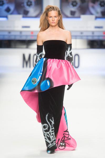 Показ Moschino на Неделе моды в Милане | галерея [5] фото [13]