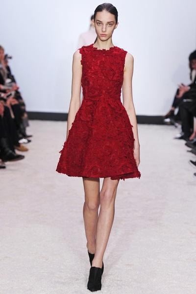 15 лучших красных платьев из осенне-зимних коллекций | галерея [2] фото [4]