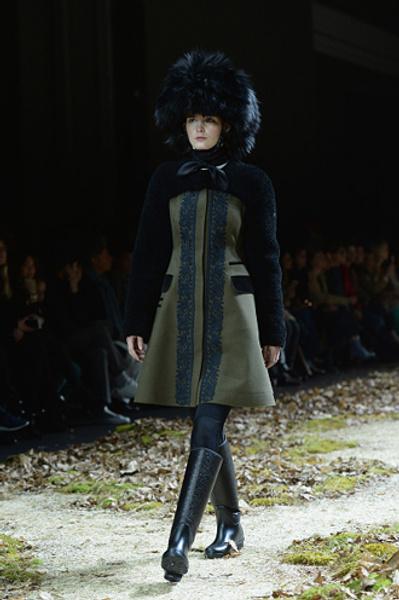 Неделя моды в Париже: показ Moncler Gamme Rouge осень-зима 2015/16 | галерея [1] фото [11]